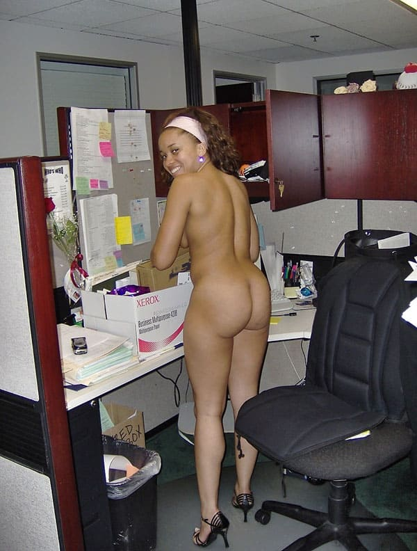 Attractive amateur office girl kate strips down naked